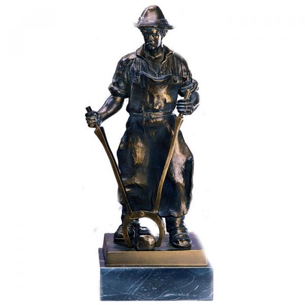 Edle Metall Figur Hüttenmann Eisen Verhüttung Pokal