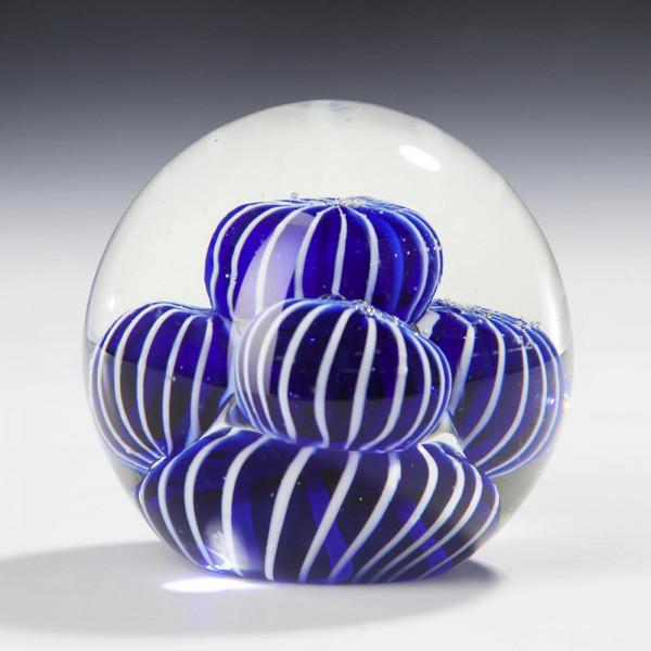 "Kristallglas Kugel ""Blau-Weiße Magie"""