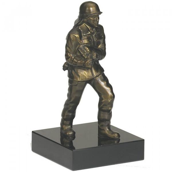 Anpruchsvolle Figur Feuerwehr Vereinstrophäe Wanderpokal